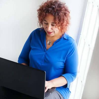 Patricia Maguet trabajando