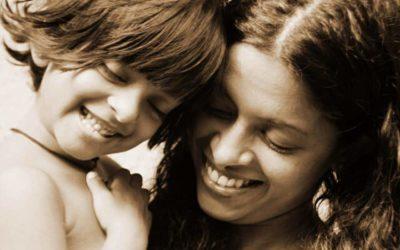 El apego materno: la base para las relaciones futuras